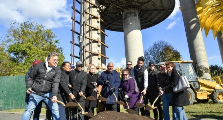 NYC Parks Breaks Ground On 24 Million Dollar Restoration Project Of The Worlds Fair Pavilion Towers